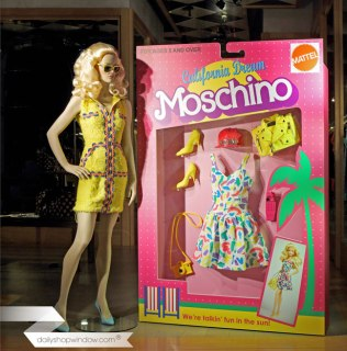 dailyshopwindow-vitrines-creatives-creative-windows-vitrines-magasins-windows-shop-moschino_15april05