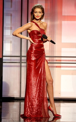 rs_634x1024-161120191953-634-gigi-hadid-2016-american-music-awards-red-dress-2-kg-112016