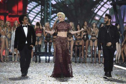 victorias-secret-fashion-show-2016-10-620x413