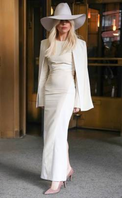 rs_634x1024-131108124123-634.lady-gaga-z100-white-suit.ls.11813_copy